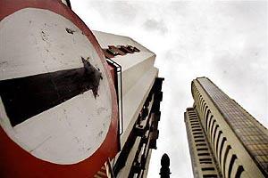 MTNL share price, Sensex, free roaming