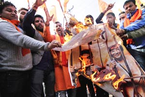 Pk protest, pk banned, aamir khan, protest against pk, anti pk protest