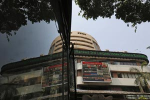 Late buying helps Sensex recover, end 120 points up; Nifty reclaims 8,600 mark