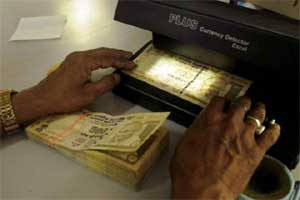 Indian rupee vs US dollar: 7 global, domestic factors that will drive the local currency