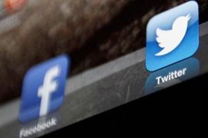 Facebook, Facebook in india, Facebook users in india, Facebook trends in india, Facebook Twitter in india, Twitter, twitter in india, twitter users in india, Youtube, Youtube vs twitter vs facebook, youtube in india