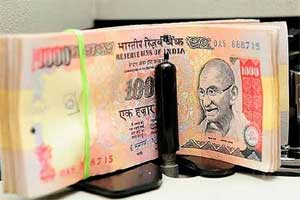 India rupee sudden plunge against dollar; 5 reasons why govt cannot go for a rupee devaluation