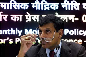 Calling RBI Governor Raghuram Rajan's exit a 'bad omen' for the Indian economy, eminent economists and former policymakers today said it will be seen by the world as India's non-approval to a policy against inflation and bad loans.   (PTI)