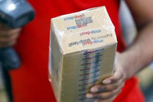 """Eyeing an """"aspirational India"""", Snapdeal has invested Rs 200 crore in rebranding activities and also unveiled a new logo as the e-commerce major focuses on wooing the next 100 million potential online shoppers. (Source: Reuters)"""