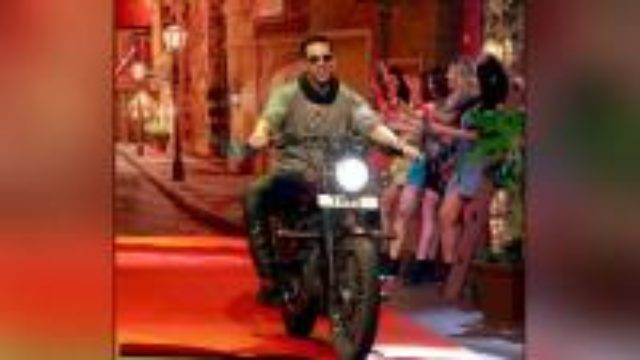 Akshay Kumar charges 1 Crore per day for Jolly LLB2