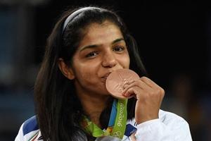 Sakshi Malik, sakshi malik rewards, PV sindhu, rio 2016, olympics medals, olympics medals India, kuldeep malik, sakshi malik coach, salman khan