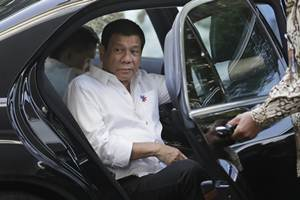 Duterte said during a two-day visit to meet Vietnam's leaders that he wants to establish new trade and commercial alliances with China and Russia, and that the war games were something Beijing does not want. (AP)