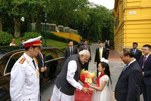 Prime Minister Narendra Modi was accorded a ceremonial welcome in front of the majestic Presidential palace here this morning. (Source: MEA)