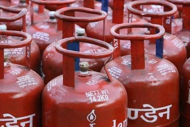 LPG, Below Poverty Line,PMUY,petroleum ministry,Pradhan Mantri Ujjwala Yojana,Prime Minister,Uttar Pradesh,Narendra Modi