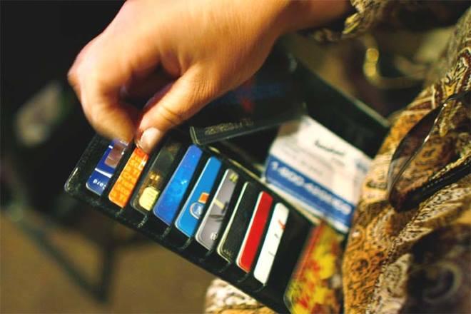 MDR charges, demonetisation, narendra modi, PM Modi, OMCs, credit/debit card for oil, oil companies, Digitalisation, digital payment, card payment, cashless transaction, BJP government