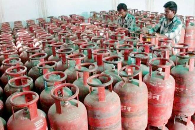 India's oil marketing companies, OMCs, Indian Oil, Bharat Petroleum, Hindustan Petroleum, liquefied petroleum gas, LPG Connections, Pradhan Mantri Ujjwala Yojana, PMUY, Ujjwala Plus scheme, petroleum ministry