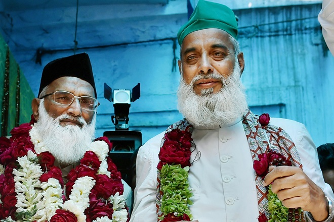 nizamuddin dargah clerics, sushma swaraj, subramaniam swamy, syed asif nizami, nazim nizami, two clerics, sufi clerics, clerics pakistan, subramaniam swamy on clerics, pakistan, india, modi government, narendra mlodi