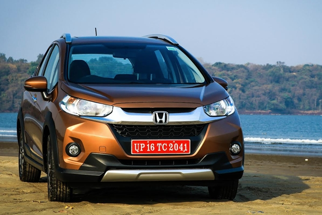 Unlike the Jazz, the face of the WR-V – short for Winsome Runabout Vehicle – has more horizontal and aggressive design lines. There is a solid metal grille which runs from one headlamp to another, and an imposing bumper design with silver cladding.