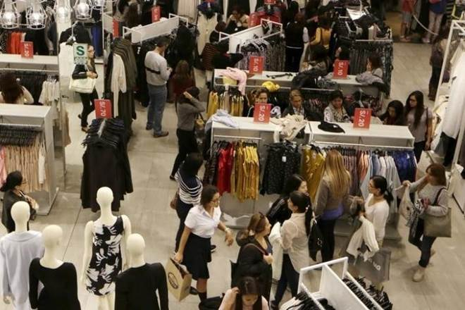 sale season, retailers, retailers in India, H&M, Zara, Vero Moda, Marks & Spencer, ASPEN, Anne Klein, Retail Discounts, Retail Business, Retail outlets
