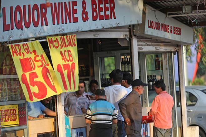 Supreme Court, Liquor Ban, sale of liquor, liquor ban on national highways, Chandigarh Press Club