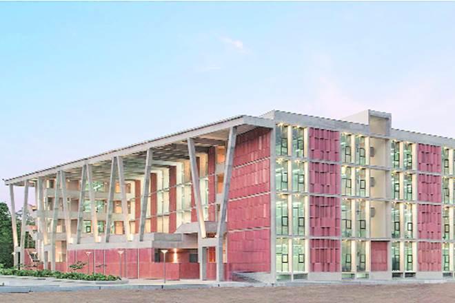 private university, private universities in India, Ahmedabad University, IIM Ahmedabad, Ahmedabad Education Society, Pankaj Chandra, IIMs in India, IIM Bangalore