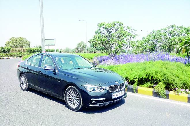 BMW 320i, 3 Series range of sedans, Jaguar XE, BMW 320i car review, BMW kidney grille, BMW cars, SUVs, TwinPower Turbo
