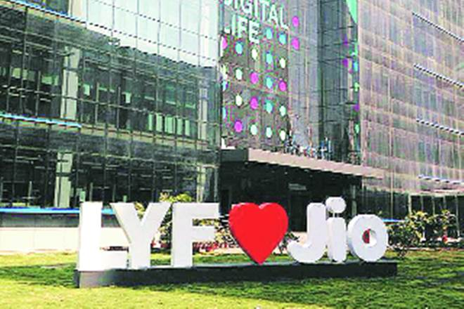 Reliance Jio Infocomm, Reliance Jio, Jio, Chinese contract manufacturers, Techchain, FortuneShip, Jio 4G VoLTE feature phones, IDC
