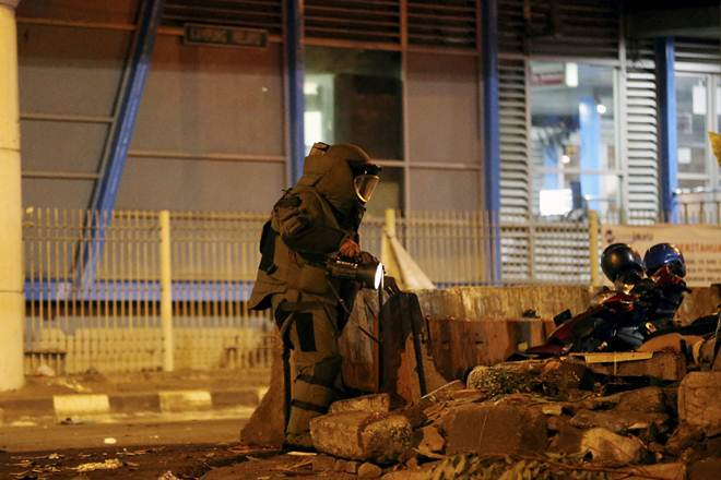 suicide bombing, bus terminal, Indonesia, policeman, Vice National Police, investigation, two explosions, suicide bomber
