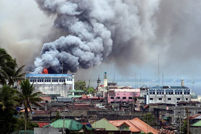 ISIS, Marawi City, Philippines, molotov cocktails, no-donate-link, Philippines, President Rodrigo Duterte, sniper fire, Hapilon Isnilon, United States Defense and Military Forces, Islamic State in Iraq and Syria, Abu Sayyaf, Isnilon Hapilon, US Military, ISIS, ISIL, Islamic State,Philippines,Abu Sayyaf