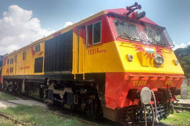 Tejas Express, Tejas Express engine, Tejas Express photos