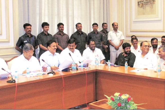 Maharashtra, Maharashtra loan waiver, farmers maharashtra, maharashtra farmers demands, maharashtra government, india, india news