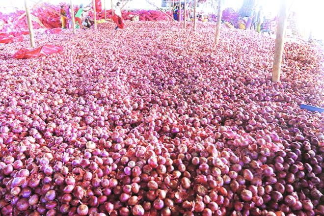 mandsaur farmers protest, Madhya Pradesh farmers, maharashtra farmers crisis, farmers suicides in india, farmers unrest