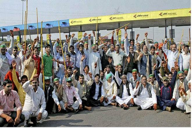 Madhya Pradesh farmers protest, Maharashtra, Demonetisation,  2017 farmer raiots, farmers suicide, RBI, INDIA, BEEF,  farmer agitation circa 2017