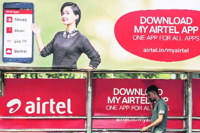 Reliance Jio phone, Reliance Jio, Reliance, telecom operator, VoLTE-enabled feature phone, Bharti Airtel, Gopal Vittal, 4G ecosystem, Badal Bagri, Bharti's VoLTE plans