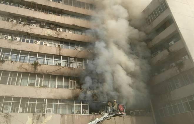 fire, delhi, delhi fire service, central delhi, Lok Nayak building, Lok Nayak building fire