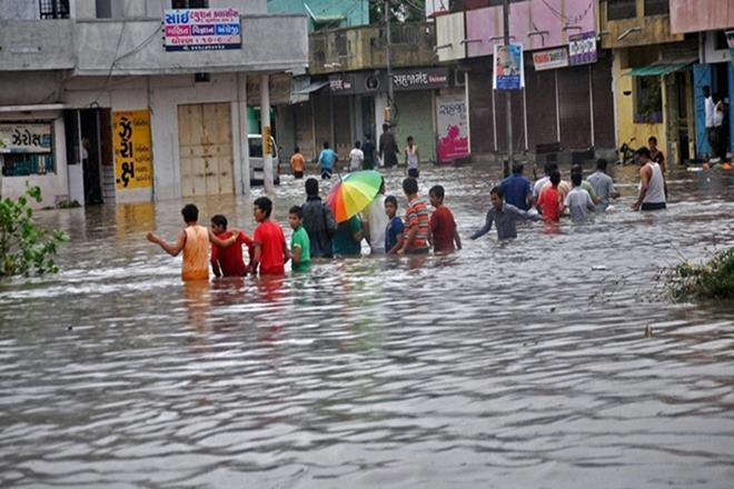 gujarat rains 2017, gujarat rains, gujarat rains rescue, ahmedabad rains 2017, ahmedabad, Indian Air Force,Indian Air Force rescue,Nana Matra village, VinchiatehsilRajkot, VinchiatehsilRajkot IAF rescue, HQ SWAC Gandhinagar, Human Assistance and Disaster Relief, Gujarat floods rescue