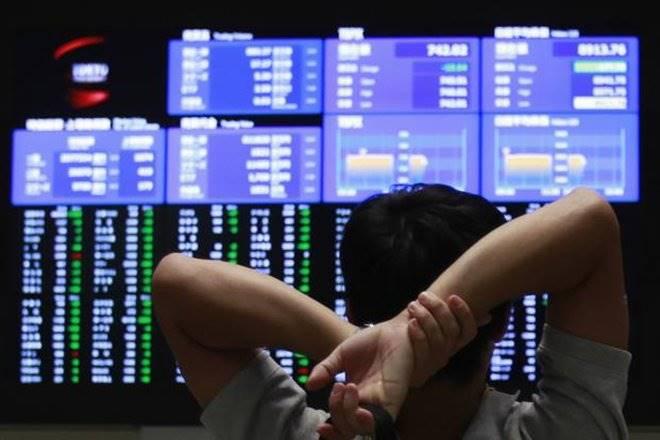 Foreign portfolio investors, FPIs bid, FPI, corporate bonds, Ajay Manglunia, Edelweiss Securities, forex reserves