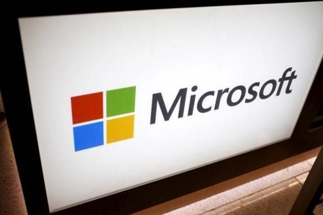 Microsoft, Microsoft update, Surface PC line, Surface PC line Microsoft, Windows phones Microsoft, Microsoft CEO Satya Nadella, Satya Nadella, Wireless Communications Device patent, Wireless Communications Device
