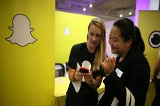 snapchat, snap chat surveillance, photo sharing app, snap map snapchat, snap map surveillance