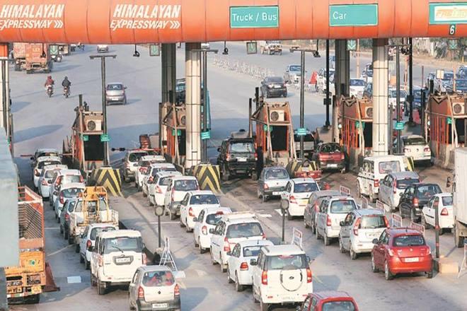up toll plaza, up tol vip lanes, up govt toll vip lane, traffic jam up toll plaza