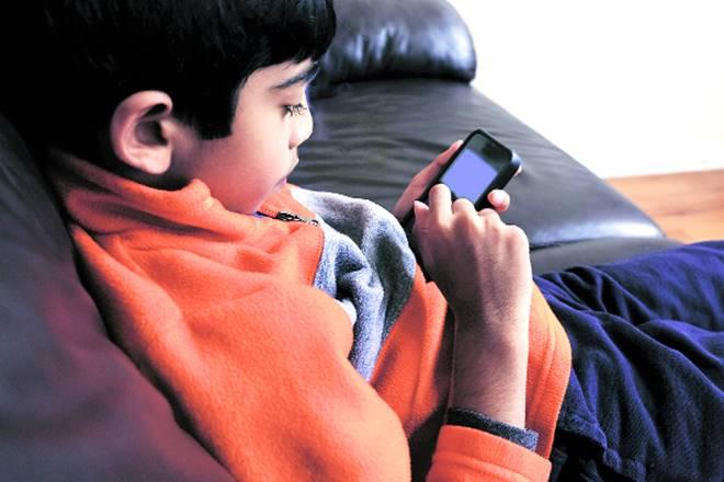 online addiction, tech addiction, virtual reality game, blue whale, technology, technology addiction