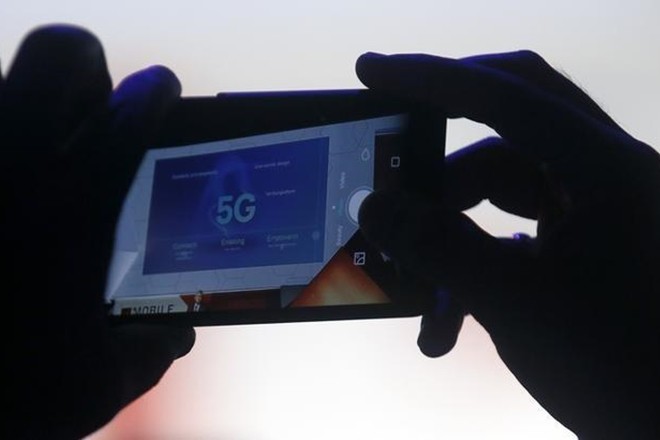 5G services in India, department of telecommunications, Indian industry, TSDSI, IIT Madras, Forum for 5G India 2020, Vision Mission,  5G India 2020,ICT industry