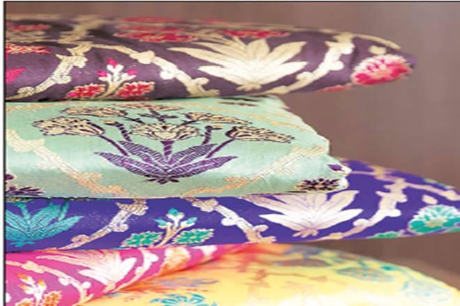 Delhi, Gold: The Art of Zari, new delhi,Mughals,Varanasi,Banarasi saris, mettallic threadwork,royal Indian households, zari yarn,Swati Agarwal,Sunaina Jalan