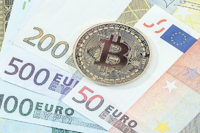 cashless, Bitcoin, blockchain ,cyber