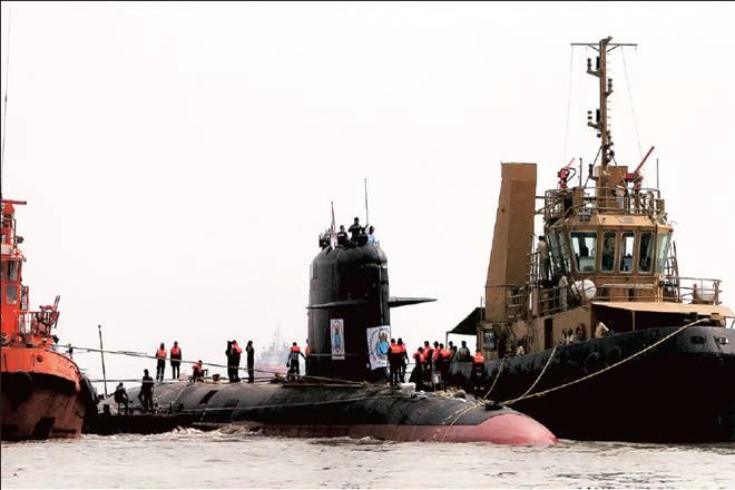 Mazagon Docks Ltd,INS Kalvari, narendra modi,DRDO,NMRL,Make in India programme,Air Independent Propulsion techonology,Sunil Lanba, indian navy,diesel electric attack submarine