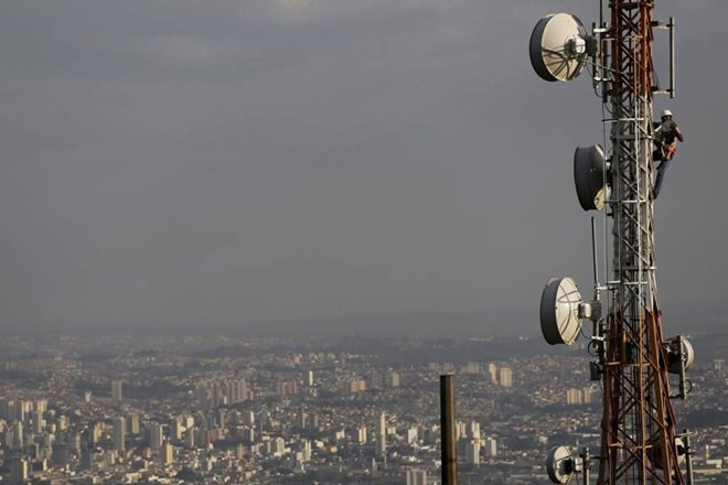 Reliance Jio vs Airtel, Reliance Jio vs vodafone, Reliance Jio competition, telecom rivalry, IUC by Trai, RJio, Idea, IUC rates, telecom companies, telecom companies in india
