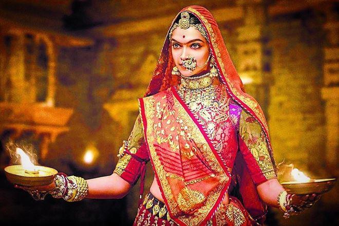Ghoomar,Ghoomar song video,Deepika Padukone,Shahid Kapoor,Padmavati, ghoomar song, Ranveer singh, Alauddin Khilji, Sanjay Leela Bhansali