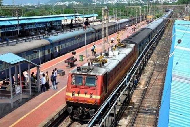 Indian Railways,Piyush Goyal,railway minister,rate of return ,Phoenix Group,IRSDC,Tata Realty,CREDAI,DLF
