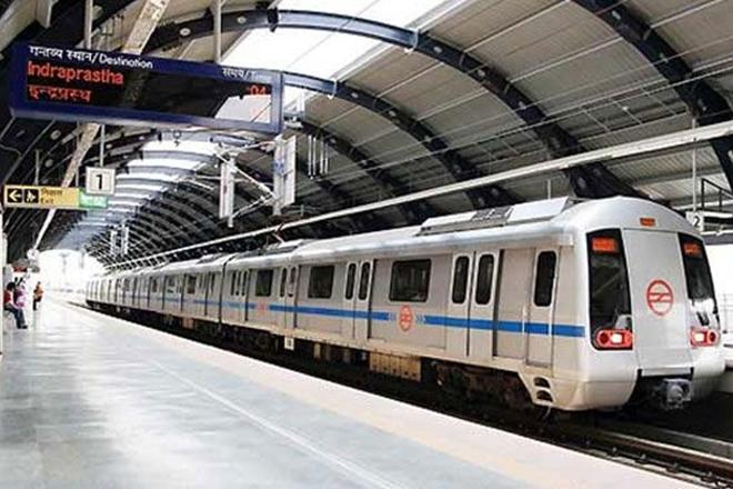 delhi metro, metro services, metro disruption, blue line metro, delhi metro blue line, delhi blue line, delhi rajiv chowk, rajiv chowk metro, metro disruption, bhai dooj, rk ashram marg station, rajiv chowk station, dwarka metro