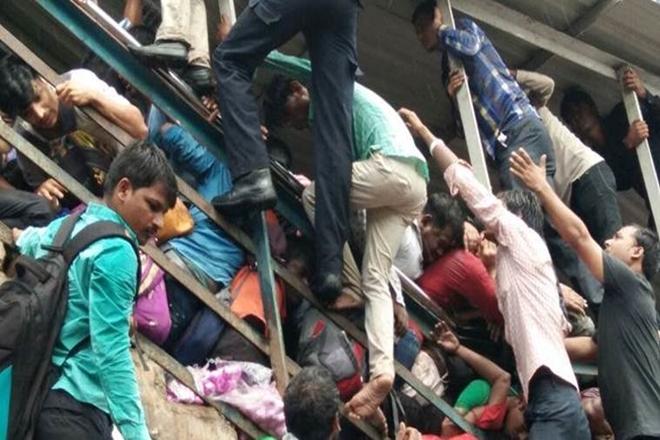 elphinstone stampede, why elphinstone stampede happened, cause of elphinstone stampede, mumbai stampede