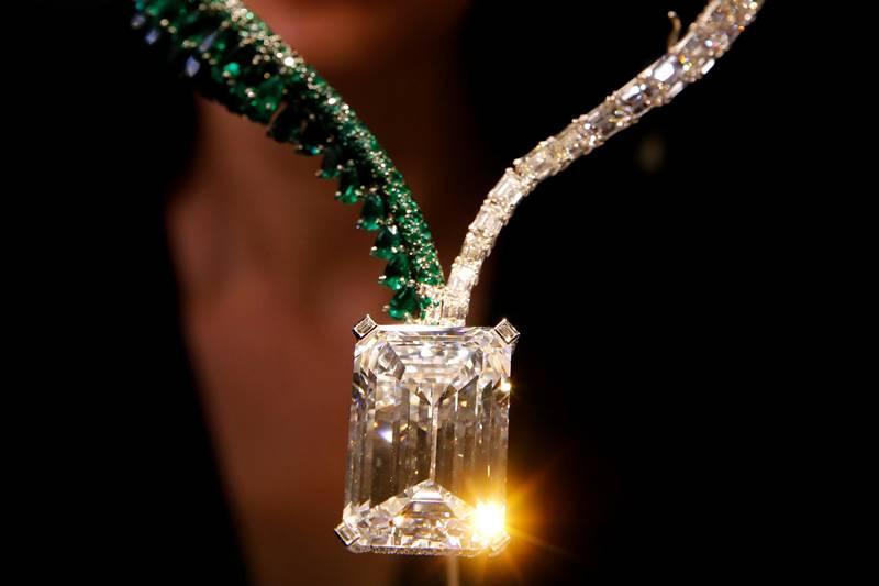 diamond, giant diamond, Geneva auction, diamond at Geneva auction, pink diamond, emerald necklace, necklace, Le Grand Mazarin, Swiss jeweler de Grisogono, auction