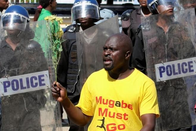 anti-Mugabe, anti-Mugabe protests, Mugabe, Zimbabwe,Robert Mugabe,war veterans,Zimbabwe,Zimbabwe war veteran