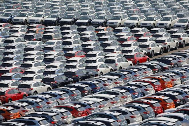 Early Diwali,automakers' festive season,single-digit growth,Carmakers,Automobile manufacturers
