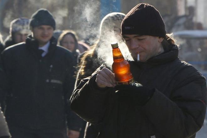 Smoking, drinking, physical ageing, drinking, ageing