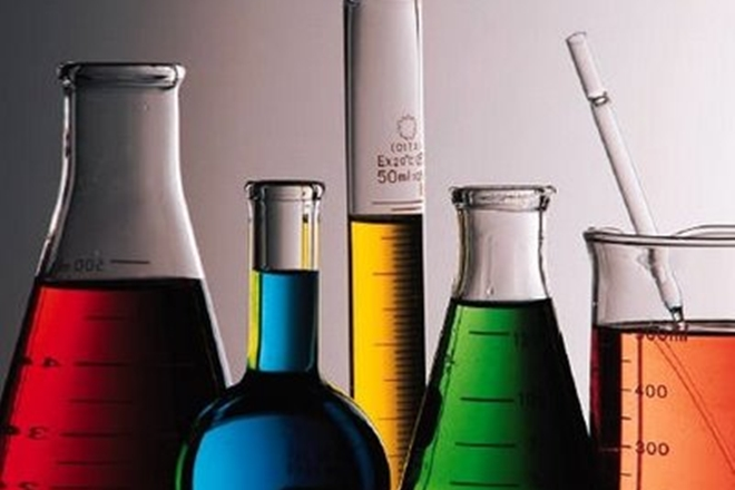 chemical dyestuff,chemical dyestuffindustry,chemical dyestuff in Gujarat,raw materials,pollution issues,Increasing raw material prices,Increasing raw material prices hit Gujarat,Gujarat chemical dyestuff industry